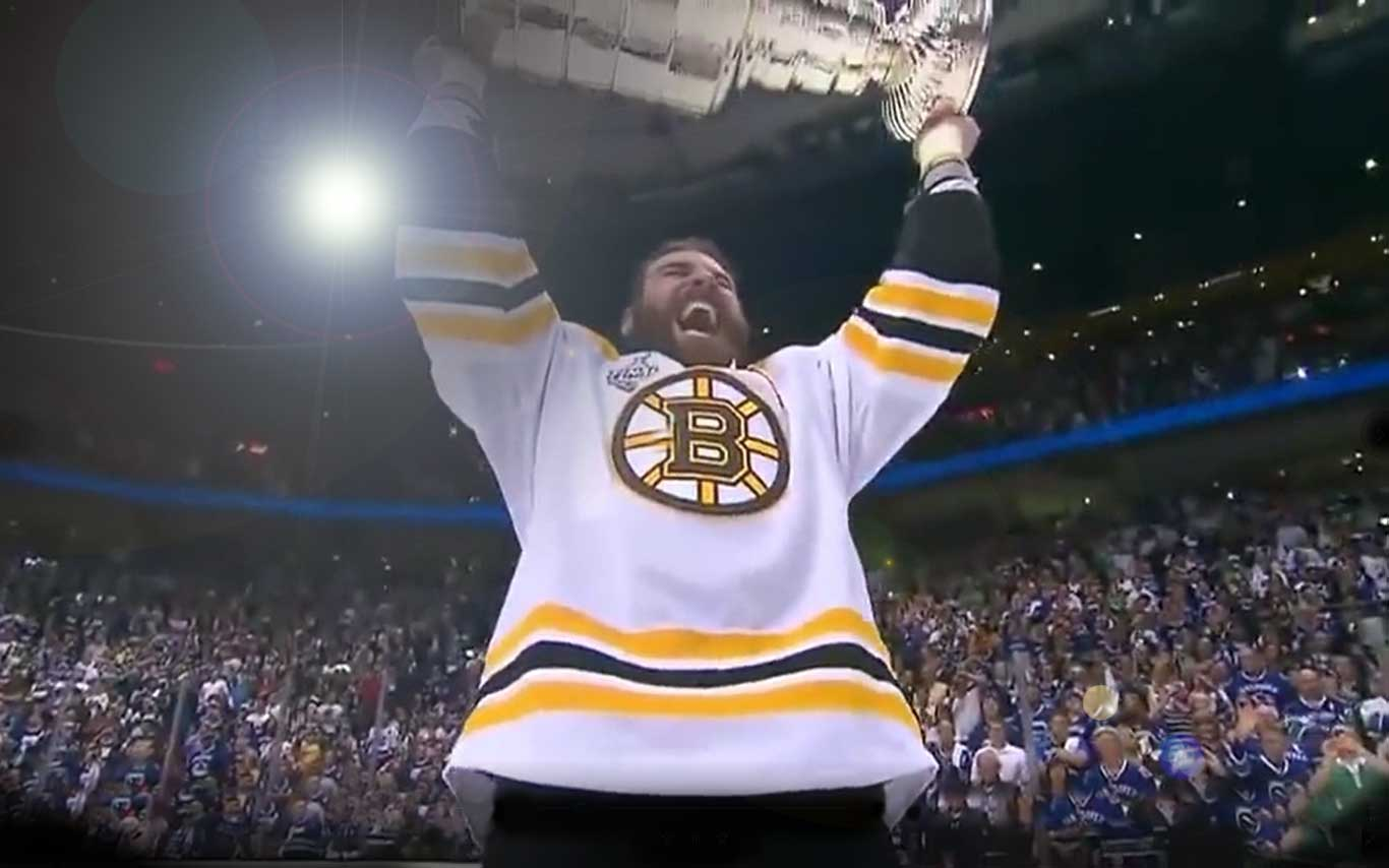 zdeno chara lifting stanley cup